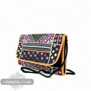 ILA CARTERA BORDADA BOHO CHIC